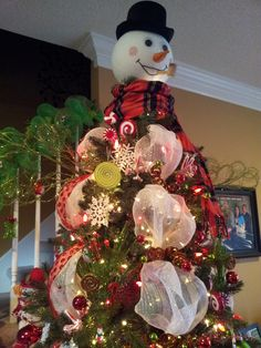 Another look @ the snowman tree topper I made!!!