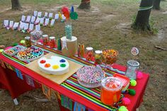 Art Party--like the cupcake idea