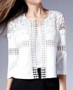 Casaqueto com entremeio - women's passion fashion Crochet Clothes, Diy Clothes, Diy Kleidung, Classic Outfits, Classic Clothes, Refashion, Blouse Designs, Mantel, White Lace