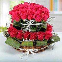 in provides new year gifts delivery in Greater Noida. So, Send New year gifts to Greater Noida with your best wishes to your dear ones on this new year. Happy Anniversary Messages, Wedding Anniversary Message, Bunch Of Red Roses, Red And White Roses, Online Flower Shop, Online Flower Delivery, Valentines Flowers, Valentine Gifts, Marriage Day Gifts