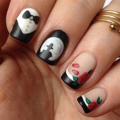 Tuxedo Mask inspired nail art by http://nisinails.de/sailor-moon-blogparade-tuxedo-mask-nail-art/