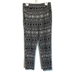 One 5 One Printed Rayon Pants Womens Size Small Black White Tapered Pockets First 5, Ankle Pants, Elastic Waist, Thighs, Pants For Women, Pajama Pants, Pockets, Legs, Black And White