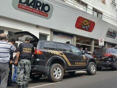 A Polícia Federal cumpriu 26 mandados, sendo 5 de prisão temporária e 21 de busca e apreensão em Marília, São Paulo e Ribeirão Preto na Operação Miragem, que combate crimes como falsidade ideológica ...