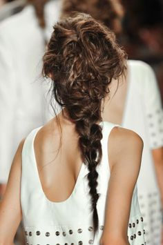 Trenza despeinada / disheveled braid - Vexiana spring 2014 #hairstyle #braids #Hair