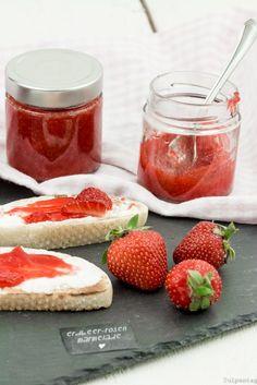 Erdbeermarmelade mit Rosenwasser Ich bin eigentlich gar nicht so der Marmeladen-Esser. Aber wenn ich eine
