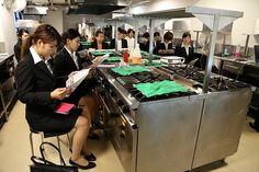 【レコールバンタン】総料理長のデモンストレーションも!アニヴェルセル株式会社会社説明会をレポート!