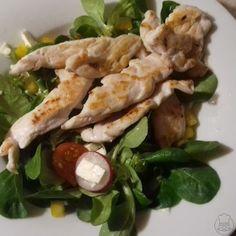 Salát s přírodnímy kuřecími kousky - Lehká večeře Meat, Chicken, Food, Essen, Meals, Yemek, Eten, Cubs