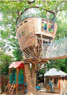 Takashi Kobayashi Tree House built in a Japanese playground. (via inspired! via Takashi Koyayashi) repinned by #smgtreppen www.smg-treppen.de #treehouse #baumhaus