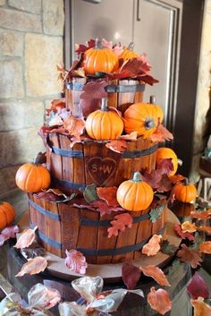 Pumpkin Basket Wedding Cake, but this would be a nice decoration for the front porch (not made of cake of course)