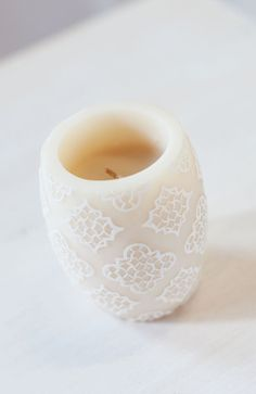 Love Meditation Candle with the scent of Amber & Rose.