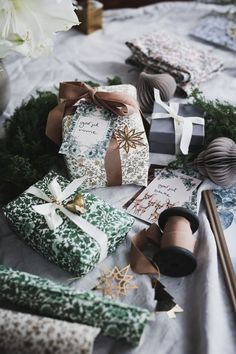 Christmas Feeling, Merry Little Christmas, Simple Christmas, Winter Christmas, Christmas Time, Xmas, Christmas Gift Wrapping, Christmas Presents, Pink Christmas Decorations