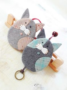 Key Bag, Key Pouch, Cat Crafts, Diy And Crafts, Key Covers, Sunbonnet Sue, Sewing Box, Totoro, Household Items