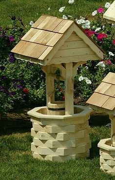 Amish Outdoor Wooden Wishing Well with Cedar Roof - Medium