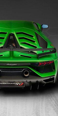 lamborghini classic cars and trucks Lamborghini Aventador, Green Lamborghini, Ferrari, Sports Cars Lamborghini, Sports Car Photos, Automobile, Best Luxury Cars, Expensive Cars, Car Wheels