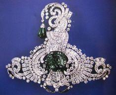 Diamonds and emeralds set in platinum. Aigrette (also known as Sarpech - Turban ornament). Private collection. 1930
