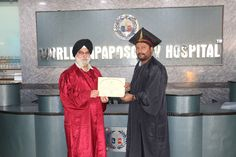 Dr. Vishwanath P receiving certificate of  Endoscopy at World Laparoscopy Hospital. For more detail please log on to www.laparoscopyhospital.com