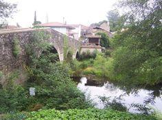 Puente romano en Furelos (Lugo)    Añadido por Santiago Martínez Ortuño el septiembre 28, 2009 a las 1:35am