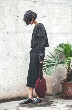 Inspiration but take a closer look and if this look is you....... this is all soooo do-able....... seamed with straight stitch on the outside, boxy shape and dropped sleeve!  Skirt would be pretty easy too with a slight A line rather than a pencil shape...