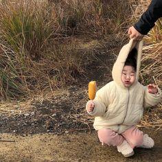 Cute Baby Girl, Cute Babies, Baby Kids, Korean Babies, Asian Babies, Korean Best Friends, Bad Boy Aesthetic, Baby Icon, Ulzzang Kids
