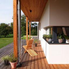 Bodenständig, aber mit moderner Wohnstruktur - Niederösterreich GESTALTE(N) Patio, Outdoor Decor, Home Decor, Building Homes, House Design, Balcony, Boden, Architecture, Decoration Home