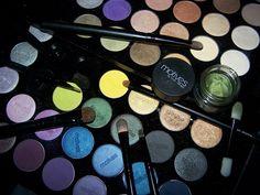 Motives Makeup By Loren Ridinger