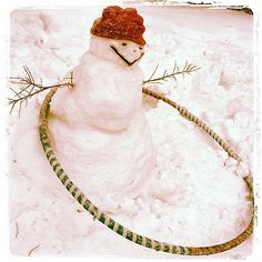"""hoopingdotorg: """" This snowman loves to hoop it up almost as much as the man who created him. Adam Grieve is the long-time hooper responsible for this great shot. He lives in Madison, Wisconsin, USA. Flow Arts, Cleanser And Toner, Aerial Silks, Modern Dance, Four Seasons, Fun Workouts, Christmas Holidays, Snowman, Artsy"""