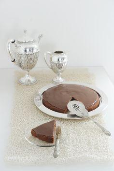 Torta al latte caldo con cacao e crema al caramello  di @maghetta  Se trovo il tempo settimana prossima la provo :-)