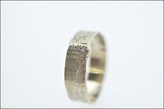 Trouwringen Handmade - champagne gold - diamonds | Juweliers Claessens