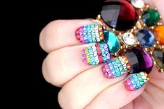 Polish All the Nails: TRIANGLE GLITTER EVERYONE AHHHH
