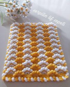 Crochet Mittens - Diadema a Crochet en punto tunecino de onditas en con flores tejido tallermanualperu Crochet Motifs, Crochet Flower Patterns, Crochet Doilies, Crochet Flowers, Crochet Stitches, Knitting Blogs, Knitting For Beginners, Knitting Patterns, Baby Blanket Crochet