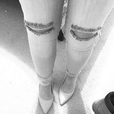 Jeans with knee cut Fun and flirty grey jeans for the summer Jeans Skinny