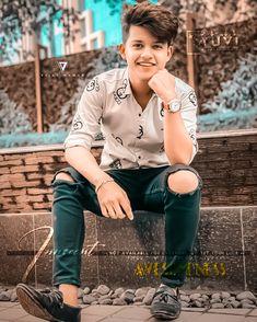 Studio Background Images, Black Background Images, Portrait Photography Men, Photography Poses For Men, Photoshoot Pose Boy, Photoshop Presets, Photo Poses For Boy, Boys Dpz, Camera Raw
