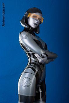 combinaison latex mass effect edi cosplay 1 Combinaison latex Mass Effect EDI… Latex Cosplay, Latex Costumes, Cosplay Costumes, Cyborg Costume, Mass Effect Cosplay, Edi Mass Effect, Harrison Ford, Bioshock, Amazing Cosplay