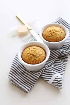SWEET, crumbly 1-Bowl Cornbread for TWO! #vegan