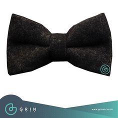 Moño Gris Oxford  para verte como todo un galán  Shop online www.grinaccs.com  Envió GRATIS en compras mayores a $699 . . . . #grinaccs #griner #soygrin #grinit #accesorioshombre #accesorioscaballero #moños #pajaritas #bow tie  #tirantes #suspenders #fistoles  #mancuernillas #gemelos #fashion  #instamoda #menfashion  #menstyle #modamasculina