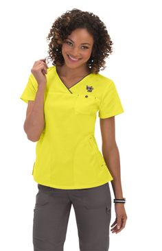 Medical Office Attire Outfits Scrub Tops 33 Ideas For 2019 Scrubs Outfit, Scrubs Uniform, Medical Uniforms, Medical Scrubs, Student Fashion, Scrub Tops, V Neck Tops, Outfits, Medical Doctor