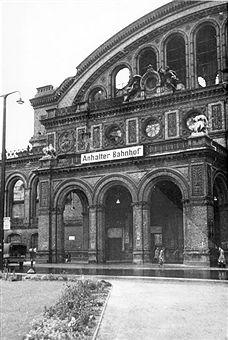 Berlin Anhalter Bahnhof - Hauptportal 1950