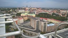 Viron hallitus on päättänyt vähentää virkamiesten määrää voimakkaasti ja potkut saa 750 valtion palkollista vuoden 2016 loppuun mennessä. Asiasta kertoi Viron pääministeri Taavi Rõivas tänään. 750 virkamiestä on melkein kaksi prosenttia Viron koko virkamieskunnasta.