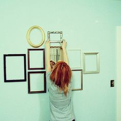 Hayley Williams' Empty Picture Frame Wall Decor