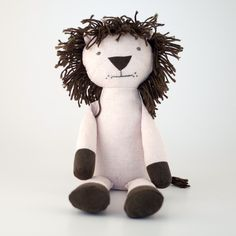 Nana Huchy Levi the Lion makes an adorable king of soft toys