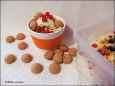Înghețată cu fructe de pădure și migdale pralinate Parfait, Dog Food Recipes, Cereal, Breakfast, Morning Coffee, Dog Recipes, Breakfast Cereal, Corn Flakes