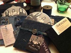 avanti così.... Alex And Ani Charms, Louis Vuitton Speedy Bag, Bracelets, Bags, Jewelry, Bangles, Handbags, Jewellery Making, Arm Bracelets