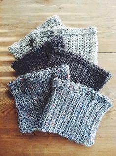 Erica Freestone: Free Crochet Boot Cuff Pattern (because sometimes I make things other than jewelry!) Erica Freestone: Free Crochet Boot Cuff Pattern (because sometimes I make things other than jewelry! Crochet Crafts, Free Crochet, Knit Crochet, Crochet Ideas, Crochet Boots, Crochet Slippers, Crochet Mittens, Knitting Socks, Knit Hats