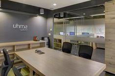 Sala de juntas y vista escritorios