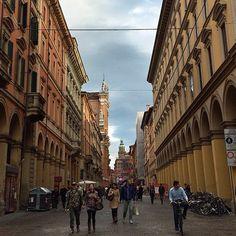 @silvia Sempre perché la pioggia non ci fa paura, ecco Via Indipendenza durante i tDays, dopo la pioggia! | #mybologna #twiperbole #bologna