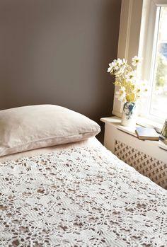 Crochet pattern bedspread