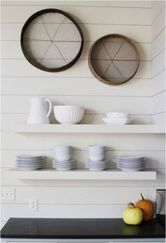 traditional kitchen by Yvonne McFadden LLC. tongue and groove - love Modern Kitchen Wall Decor, Kitchen Wall Art, Kitchen Design, Kitchen Walls, Cupboard Design, Kitchen Shelves, Modern Decor, Inspiration Wand, Kitchen Inspiration
