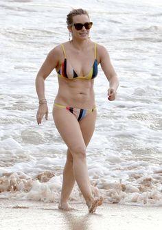 Hilary Duff Heeft Dikke Bikini Pret Op Hawaii Meer foto's hier:  http://prutsfm.nl/prutsfm/?p=118910