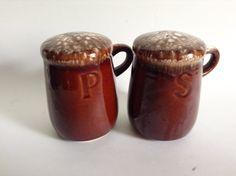 Mccoy Pottery Vases, Hull Pottery, Vintage Fonts, Vintage Decor, Spice Shaker, Dinner Wear, Kitchenware, Tableware, Makers Mark