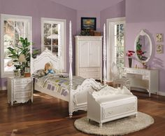 ACME Pearl Twin Bed (Poster) Pearl White & Gold Brush Accent - 01000T